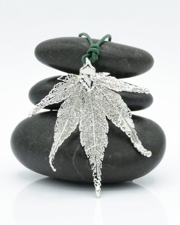 Acero Giapponese Argento su tre pietre