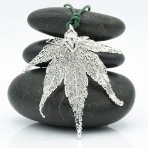 Ciondolo Foglia di Acero Giapponese, gioielli foglie naturali