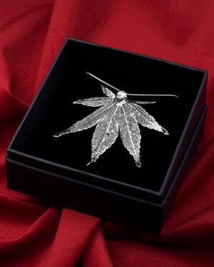 ciondolo foglia di acero giapponese argento luxury box, gioiello artigianale italiano nickel free