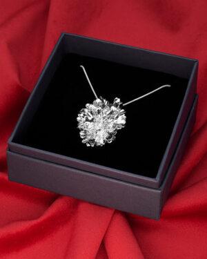ciondolo foglie di prezzemolo argento luxury box, gioiello artigianale fatto in italia e nickel free